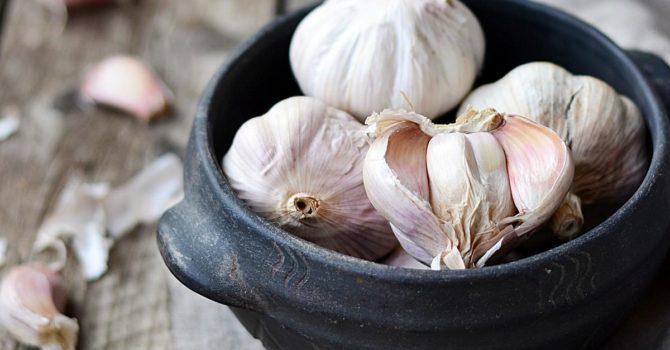 10 Alimentos Anti-inflamatórios Que Você Deve Ter Sempre à Mão