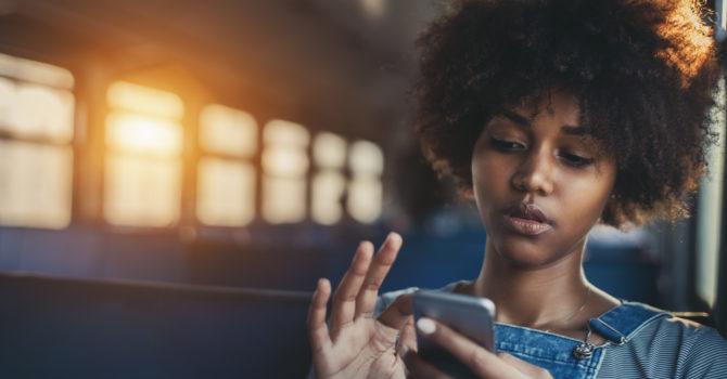 O Celular Pode Ser A Causa Destes 4 Problemas De Pele E Você Nem Imaginava