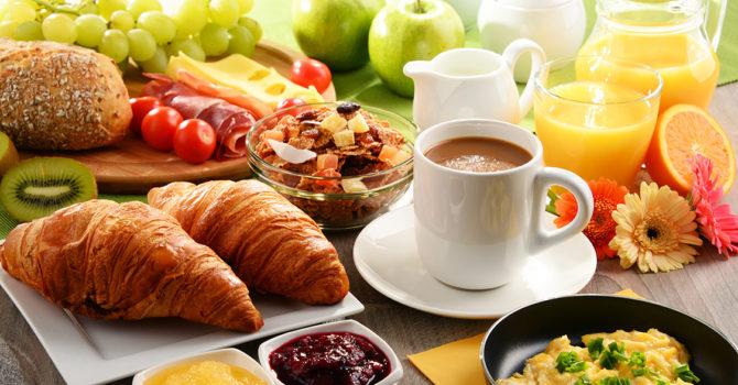 Café Da Manhã Farto Ajuda A Emagrecer