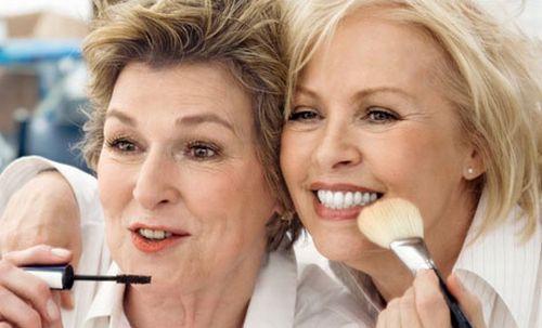 Veja Dicas E Truques De Maquiagem Para Mulheres Maduras
