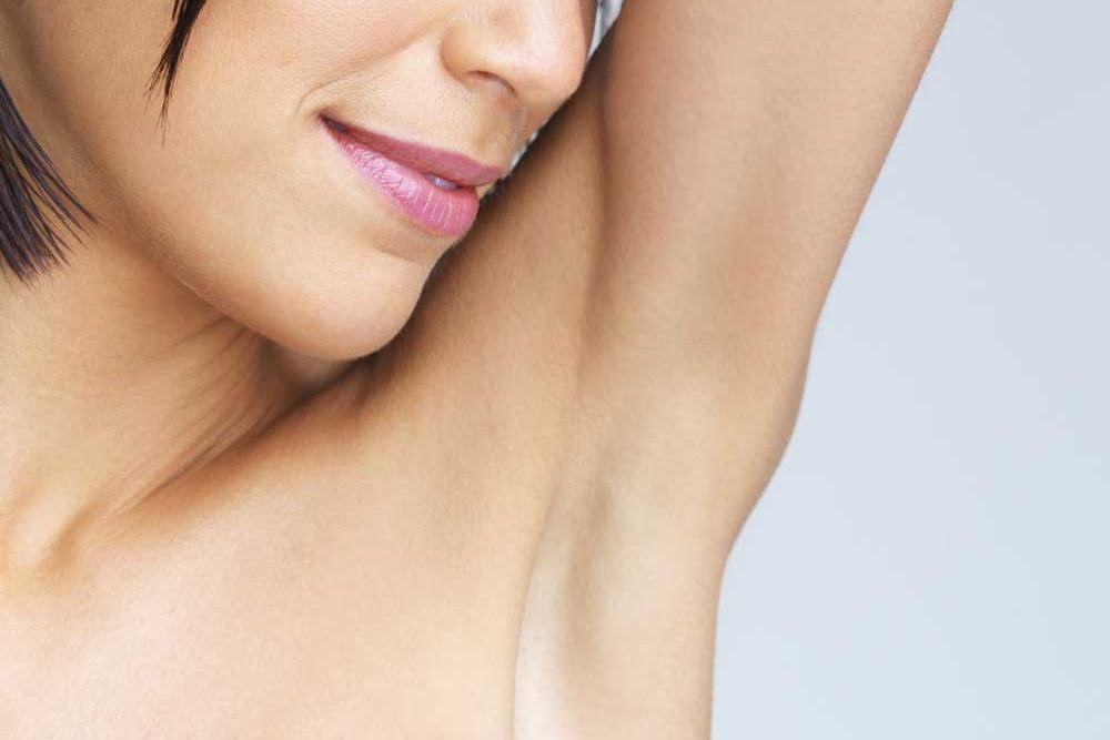 Depilar Os Pêlos Do Corpo Pode Causar Inflamação E Manchas