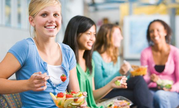 Adolescência Exige Dieta De Calorias Abundantes