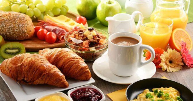 Torne O Café Da Manhã Na Padaria Uma Refeição Saudável