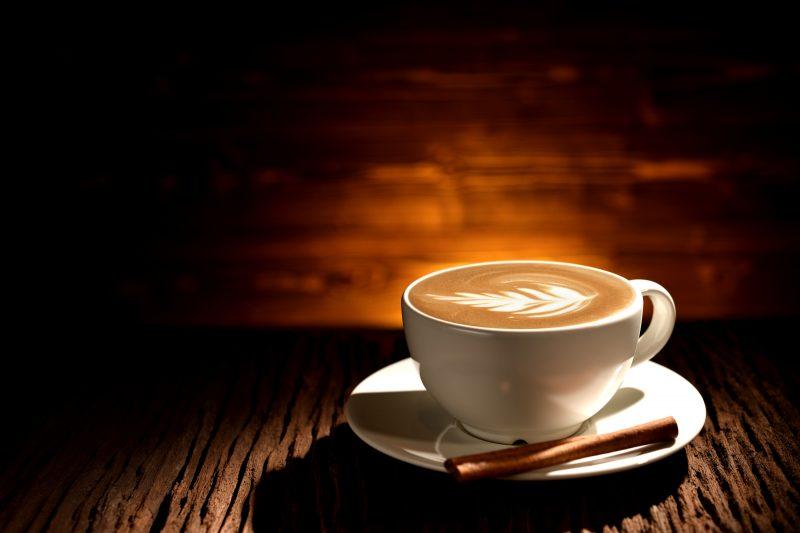 Misturar Café Com Leite Diminui Absorção De Cálcio