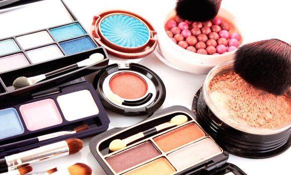 Você Sabe Como Prolongar A Vida útil Da Maquiagem?
