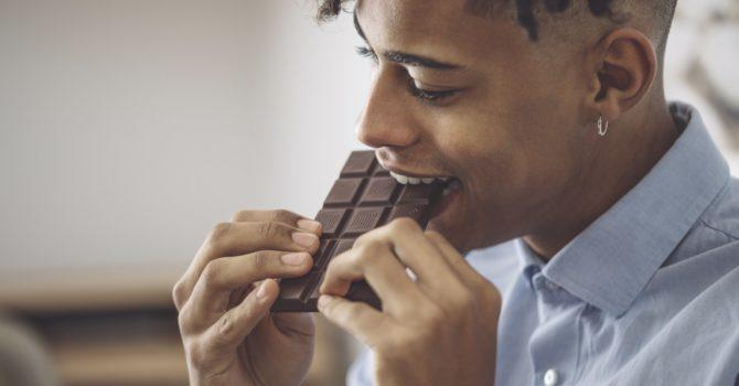 Comer Chocolate Dá Espinha?