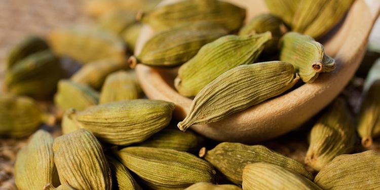 Cardamomo E Seus Benefícios Contra Inflamação (Foto: Le Manjue)