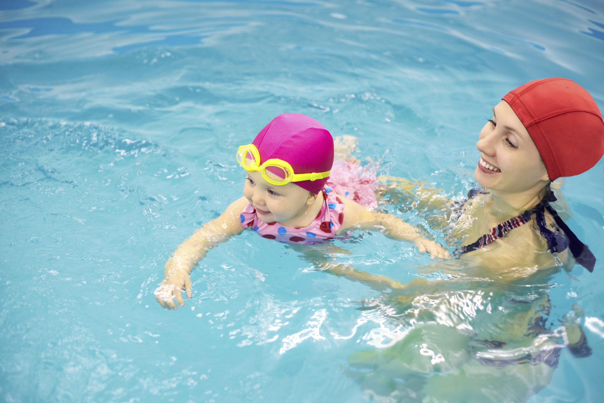 Natação Pode Ser Praticado Por Grávidas E Crianças