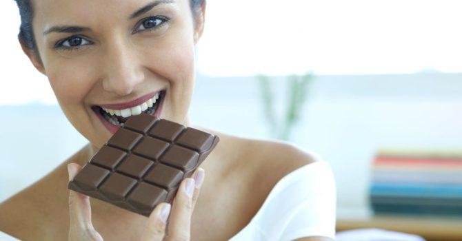 Chocolate Amargo: O Excesso Que Pode Trazer Riscos
